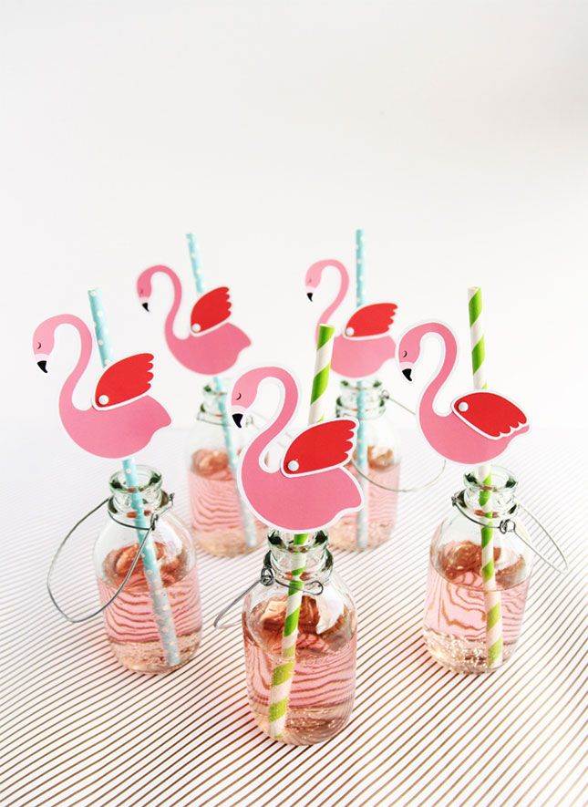 Decorate Your 30th Birthday Summer Pool Party Drinks With These DIY Printable Pink Flamingo Straws