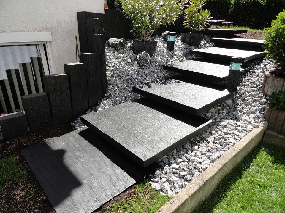 Escaliers Exterieurs En Ardoise Les Idees De Cote Deco Escalier Exterieur Escalier De Jardin Entree De Maison Exterieur