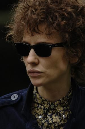 She played Bob Dylan so incredibly well. Cate Blanchett Bob Dylan 2994f023313