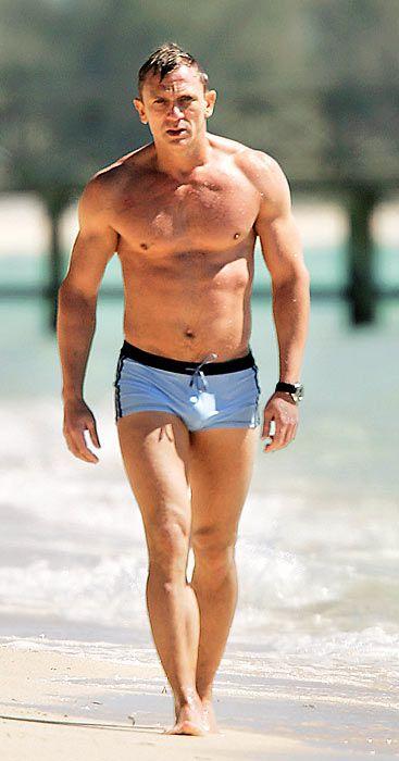 422ed8b96d Daniel Craig - 007 hunk in blue swim trunks in 'Casino Royale', 2006 ...