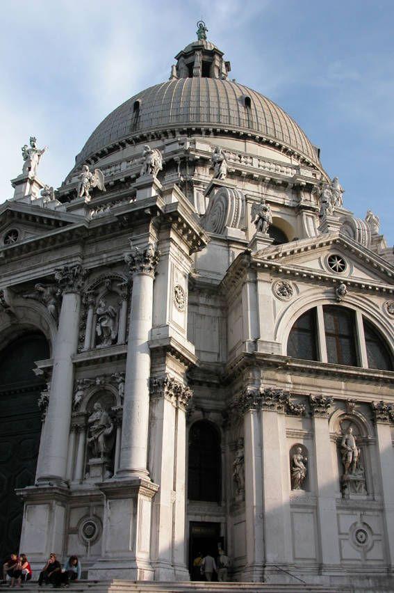 Particolari della Basilica della Salute in Venice, Italy