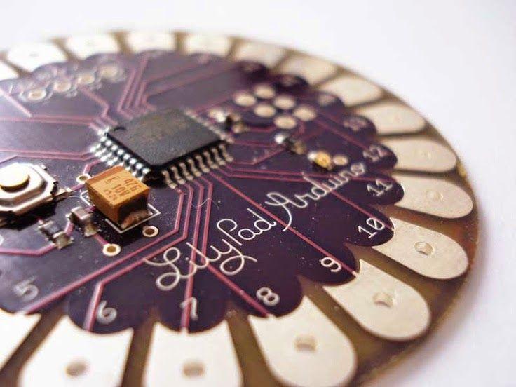 Para Secundaria - Weareable electronics: Lilypad arduino - Los electrotextiles  son una mezcla de electrónica y costura. Se utilizan sencillos circuitos electrónicos mayoritariamente para encender l...