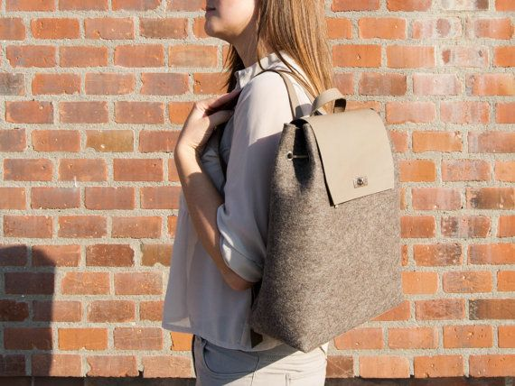 Felt and leather BACKPACK / grey backpack / by anonimaMenteSHOP