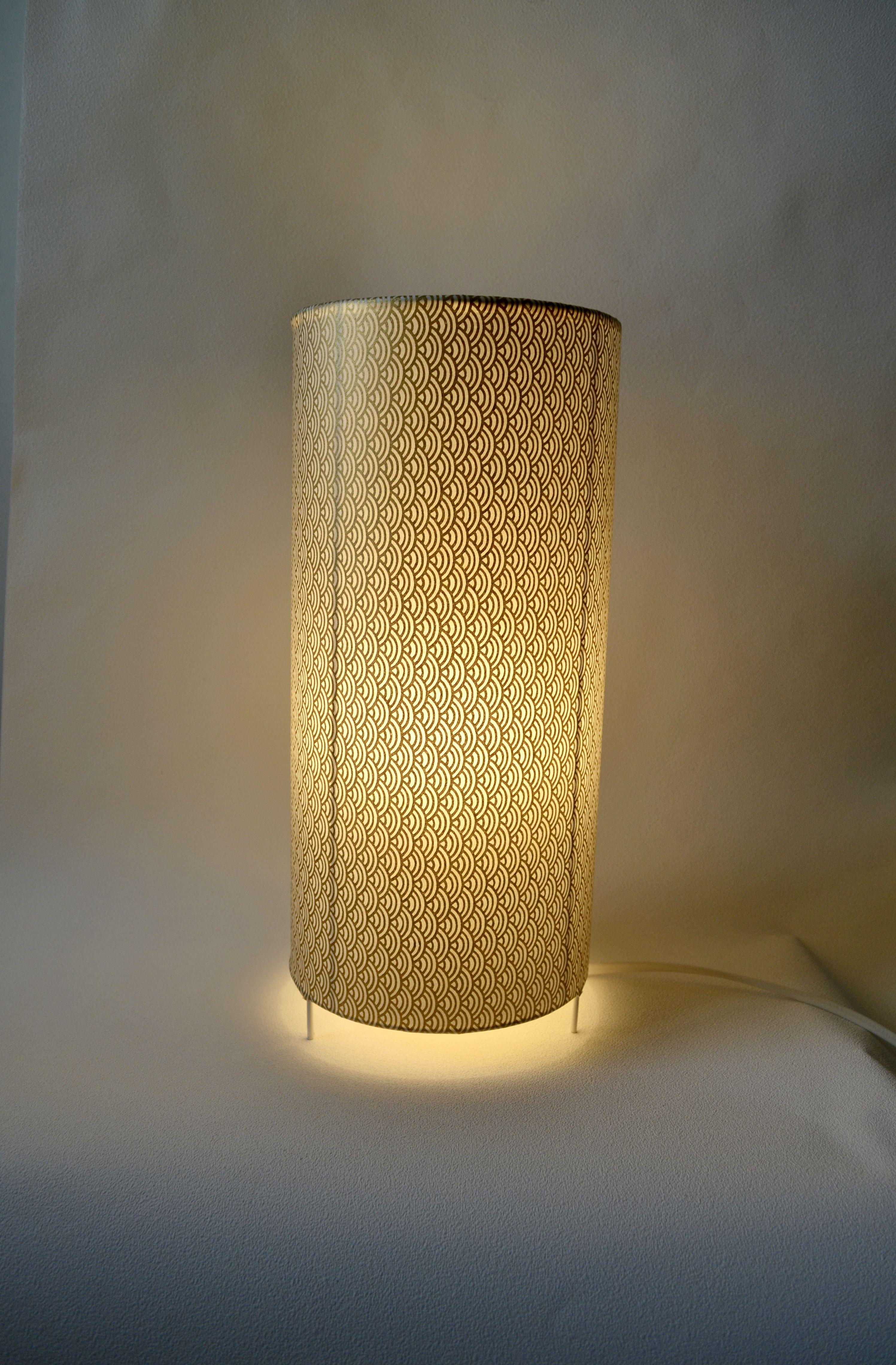 lampe  poser faite en papier japonais d une excellente qualité un
