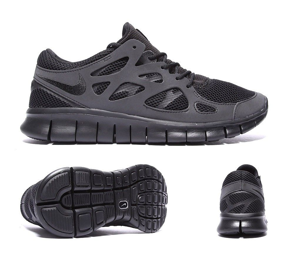 cheap for discount d9aea dc928 NIKE Free Run 2 Trainer | Black / Metallic Silver | Footasylum ...