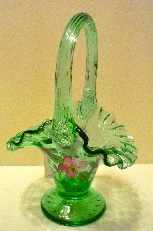 Pin By Ellen Piekaar On Pretty Green Things Vintage Art Glass Fenton Glass Fenton Glassware