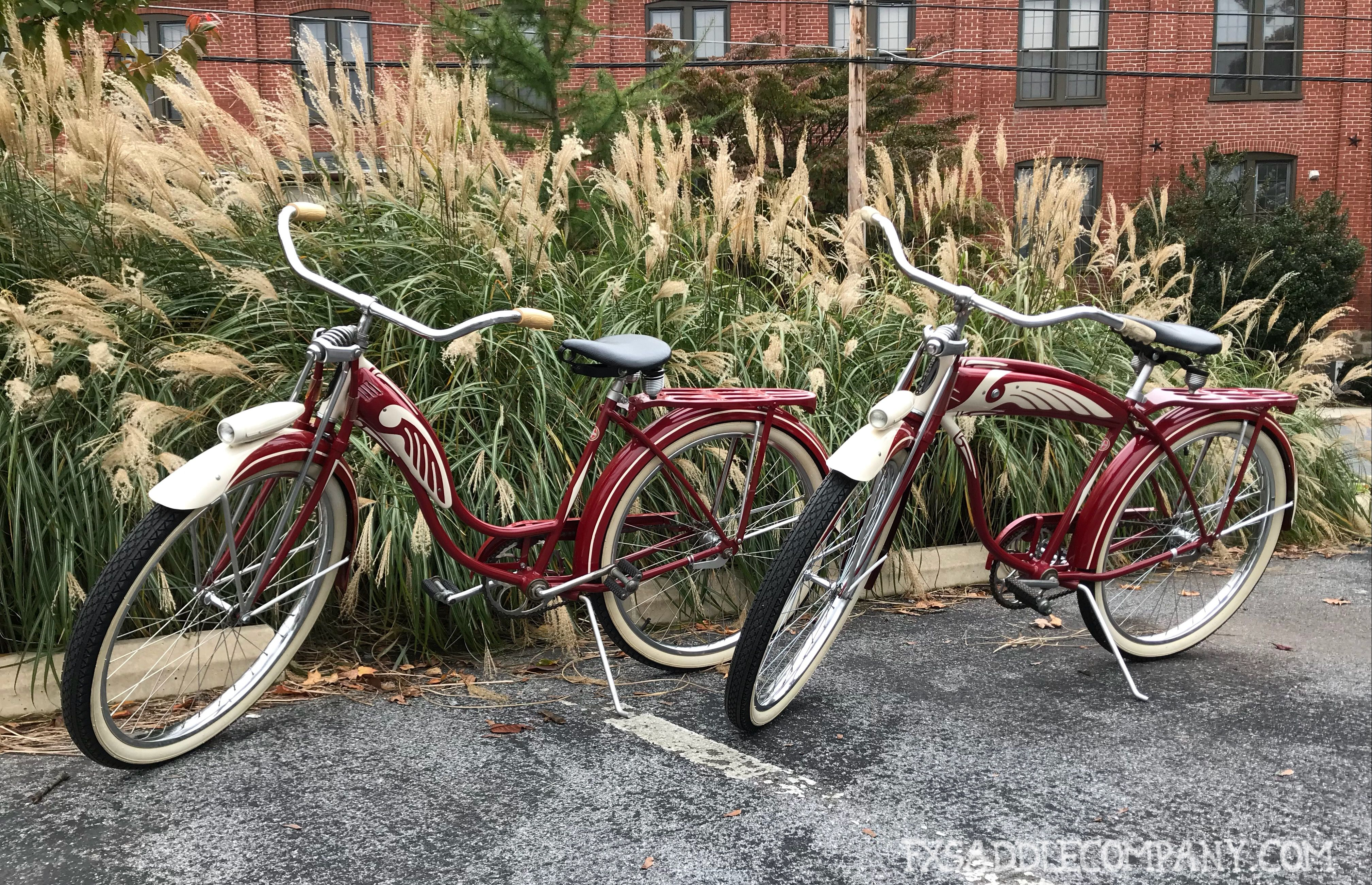 Vintage Schwinn Bicycles Matching Pair For Sale Bicycle Schwinn Bicycles Bicycles For Sale