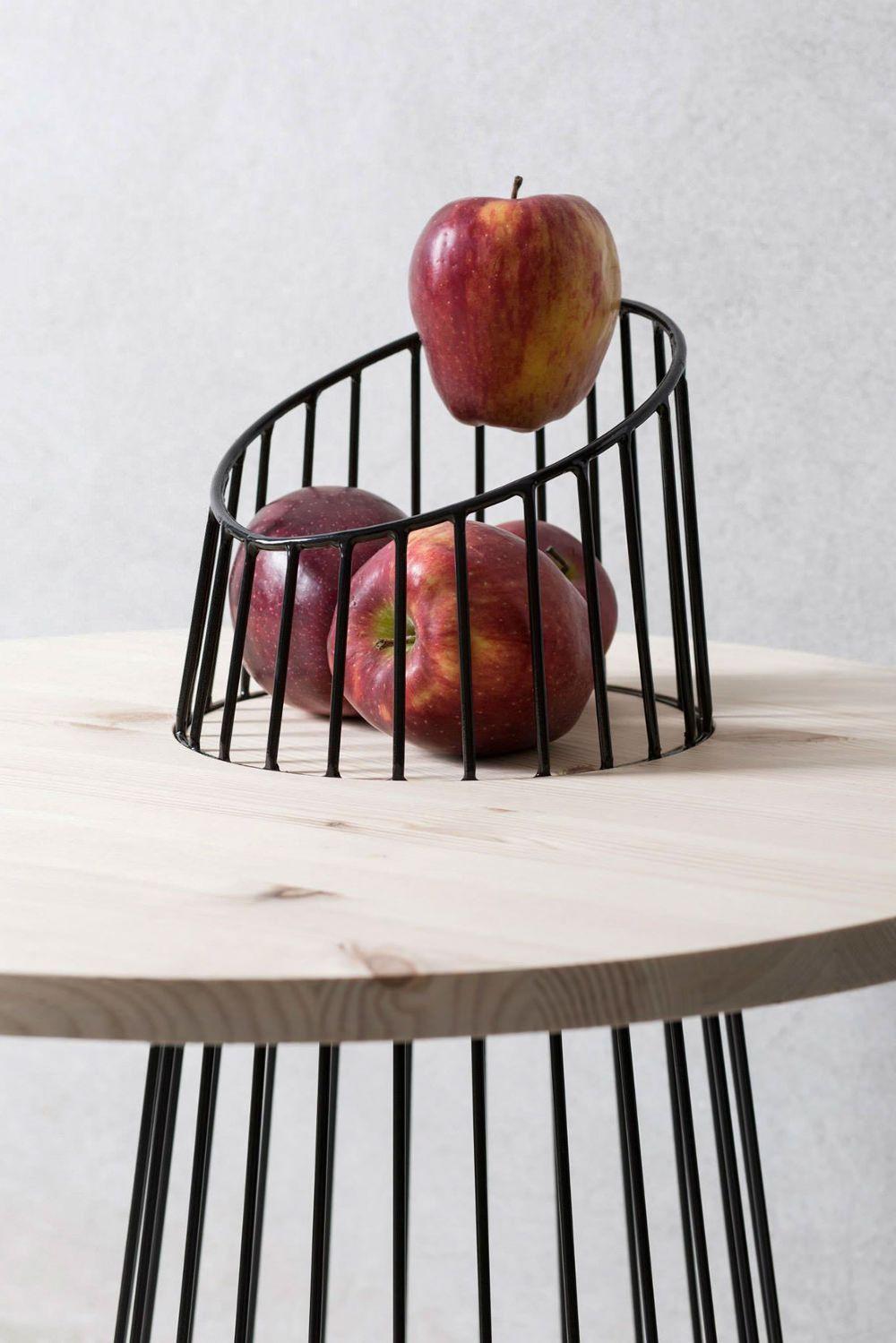 Table Bois M Tal Par Le Studio Presek Design # Meuble Design Bois Metal