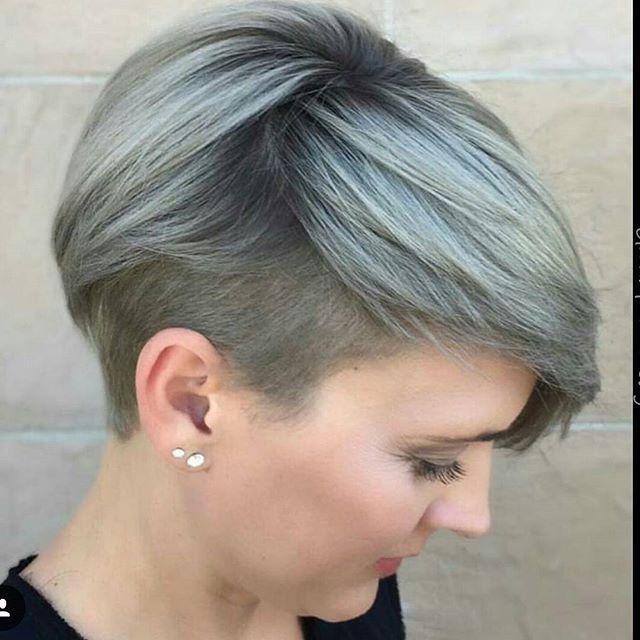 10 coupes de cheveux courts pour femmes avec des couleurs