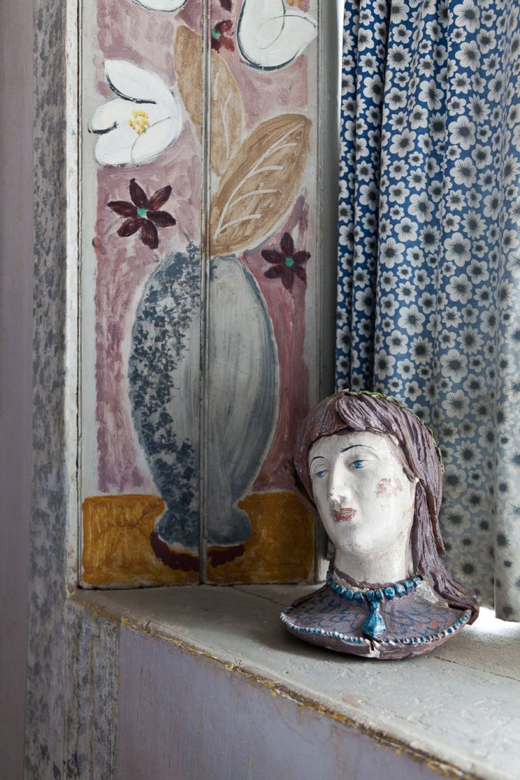 charleston home design%0A Charleston House was the outoftown retreat of the Bloomsbury Group  We  unlock its decorating secrets