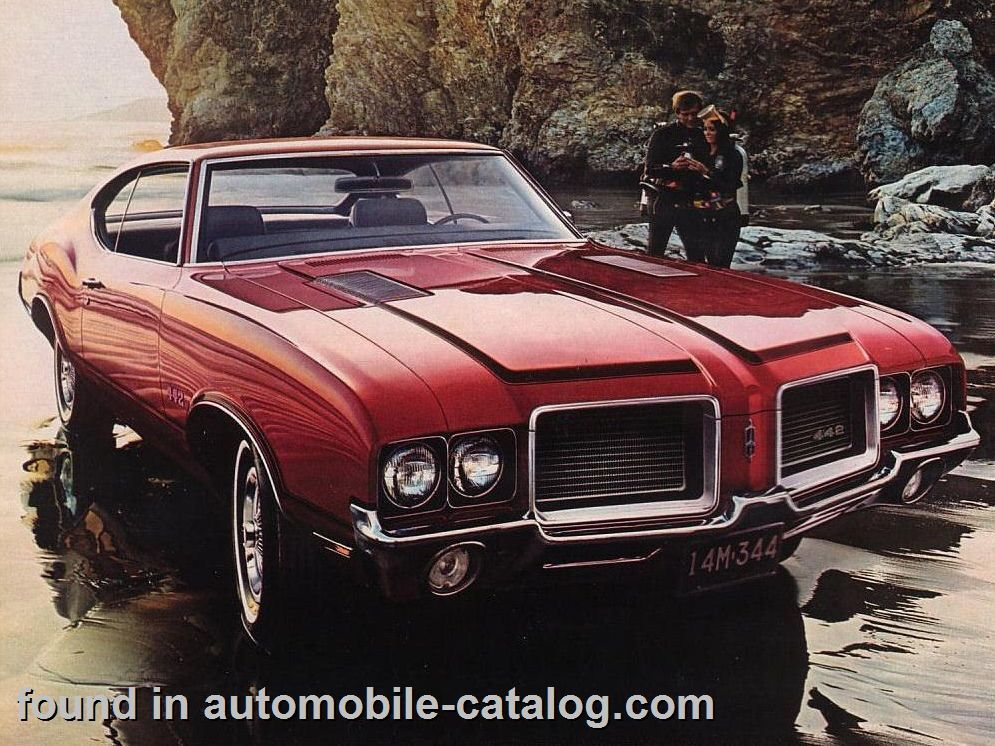 Oldsmobile Cutlass 4-4-2 Hardtop Coupe Rocket 350 V-8 160-HP