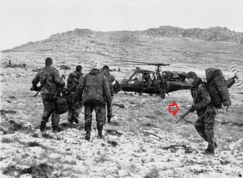 Royal Marines Commando SBS | Foto: Batalla en las Montañas. Miembro de la Guardia Escocesa caminan ...