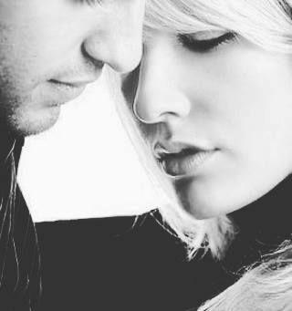 """O grande segredo da vida é viver o dia. Amanhã não sei o que vai ser, melhor viver agora. A vida passa tão depressa, semelhante ao vento! Não espere para amar depois... Talvez não dê mais tempo."""" (Fábio de Melo)"""