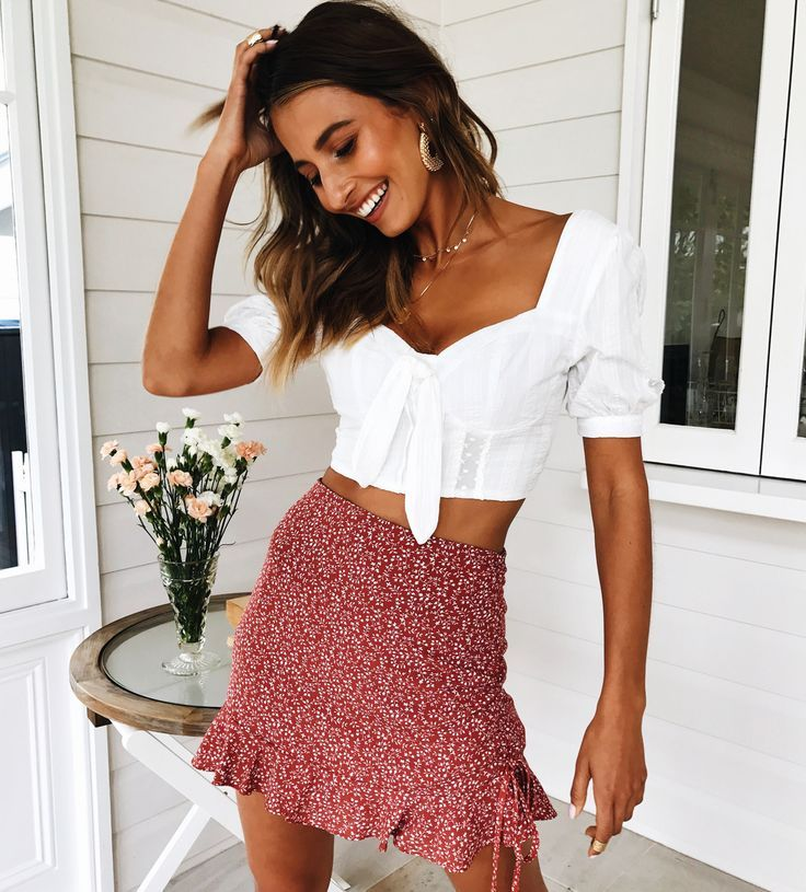 Spring top and skirt outfit for the perfect look #muraboutique #vacationlooks