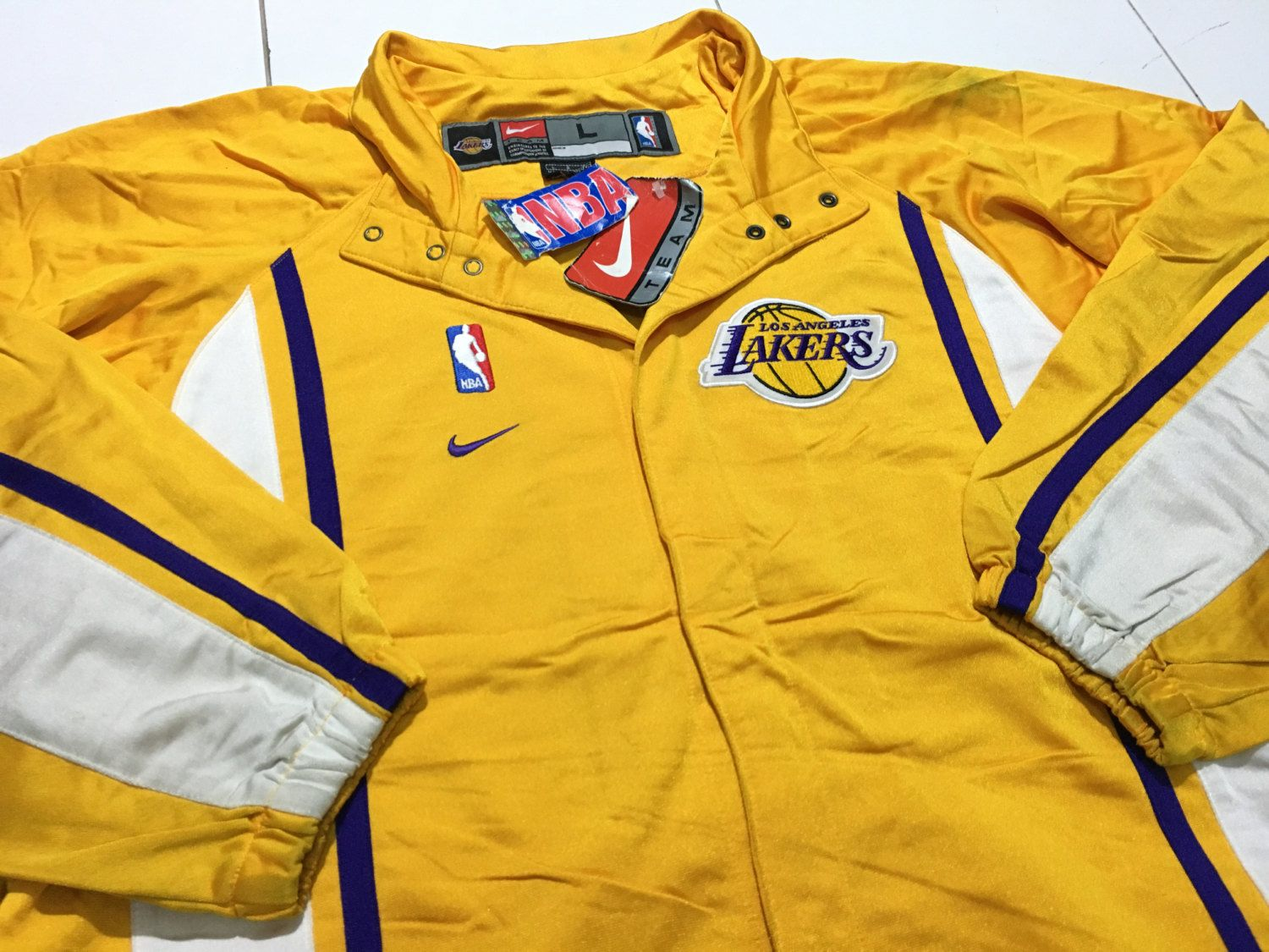 9dec4b27d Vintage 90s Nike Los Angeles Lakers Warm up Jacket NBA Gold With Tag ...