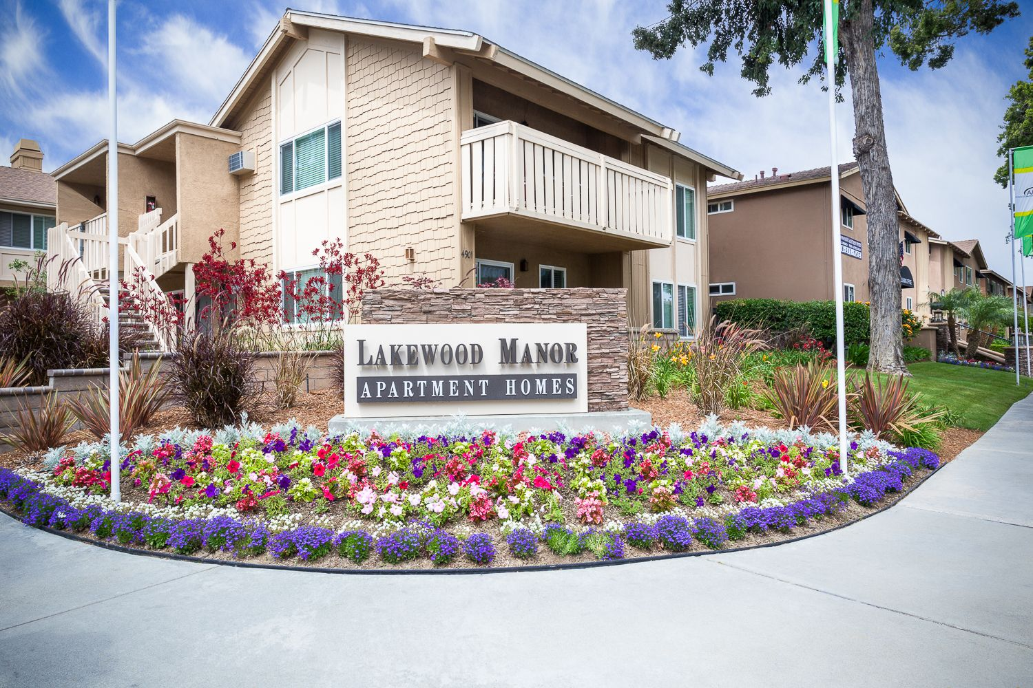 Apartments In Lakewood Lakewood Manor Apartments 866 256 2737 Dog Friendly Apartments Manor Apartments Apartments For Rent