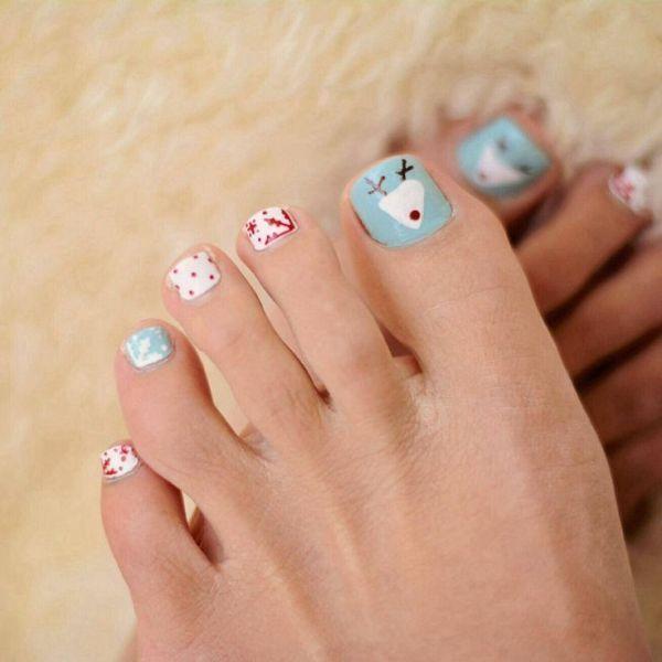 45 Lovely Christmas Toenail Art Design Ideas Pouted Com Holiday Nail Designs Toe Nails Toe Nail Designs