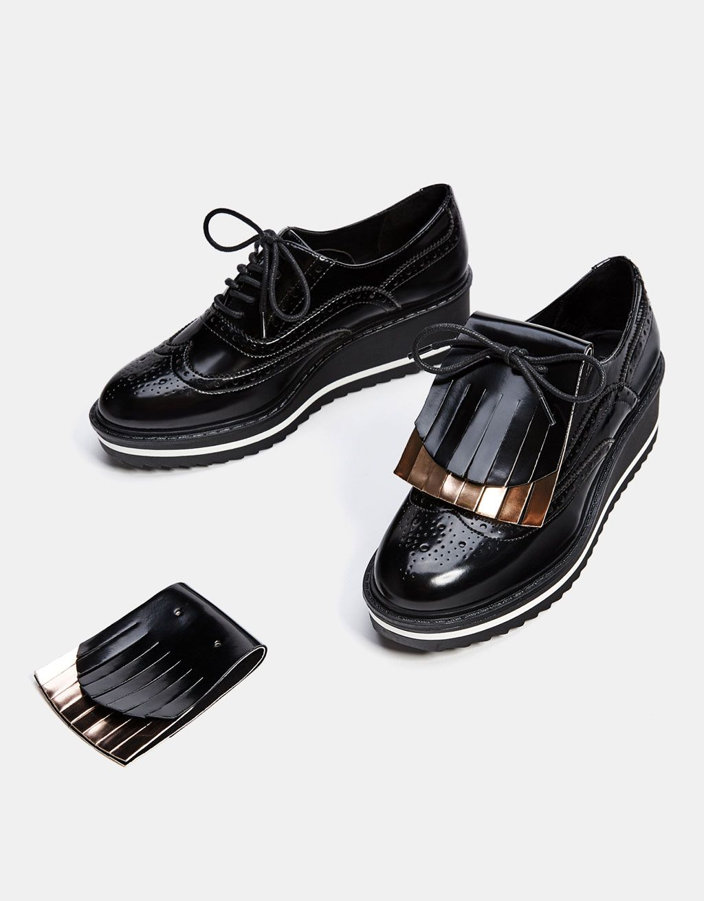 a91ea47f Bershka España - Blucher picados con solapa intercambiable y extraíble  Zapatos Planos, Plataformas, Tenis