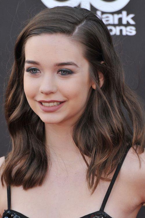 Cute Wavy Hairstyle For Teenage Girls