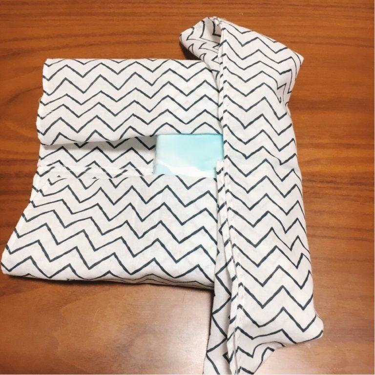 箱なしティッシュ用 手ぬぐいで縫わないティッシュカバーの作り方 白と色々 ティッシュカバー ティッシュ カバー