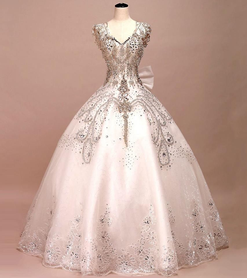 Fashion week Ball pretty gowns for lady