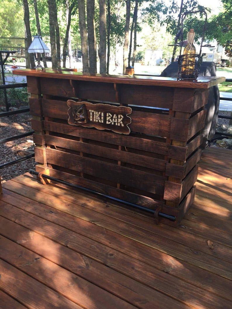 Le Kona Pallet Bar Tiki Bar Super Vente De Printemps Le Plus Incroyable True Indoor Outdoor Pallet Bar You Can Buy Bars Tiki Tiki Bar Palette Diy
