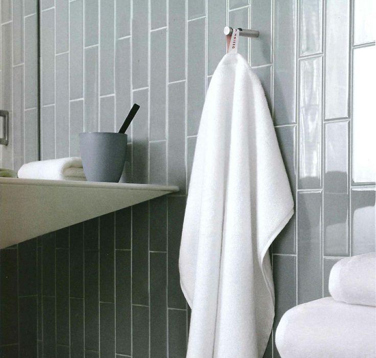 vertical shower tile vertical subway tile bathroom vertical subway tile - Bathroom Tiles Vertical Or Horizontal