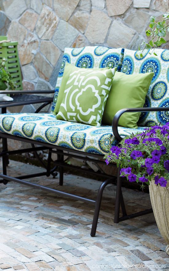 Outdoor Glider Bench Makeover With New Cushion Covers From Confessions Of A Serial Do It Yourself Outdoor Glider Pallet Furniture Outdoor Diy Outdoor Furniture