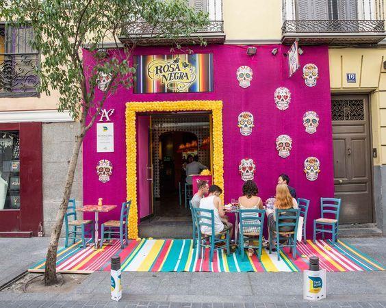 Etkileyici Dış Tasarımı ile Müşterileri Kendine Çeken 20 Muhteşem Dükkan