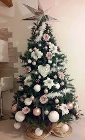 Alberi Di Natale Addobbati Foto.Risultati Immagini Per Alberi Di Natale Addobbati Eleganti Natale Alberi Di Natale Natale Shabby Chic