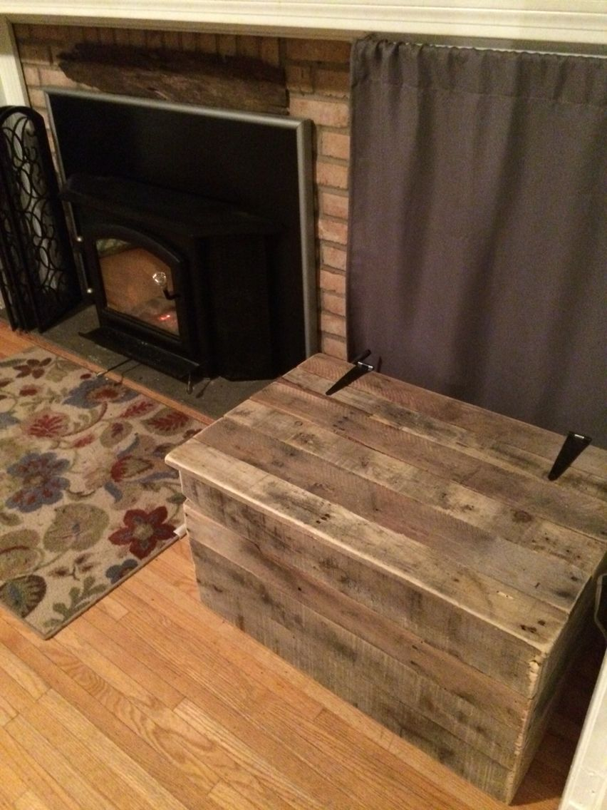 Rustic Style Woodbox Constructed Out Of Pallet Wood Reclaimed Up Cycle Firewood Storage Indoor Firewood Storage Wood Storage Box
