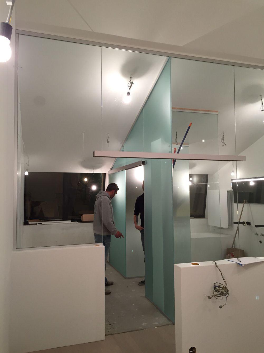 Glazen scheidingswand badkamer | slaapkamer | trap | Interieurglas ...