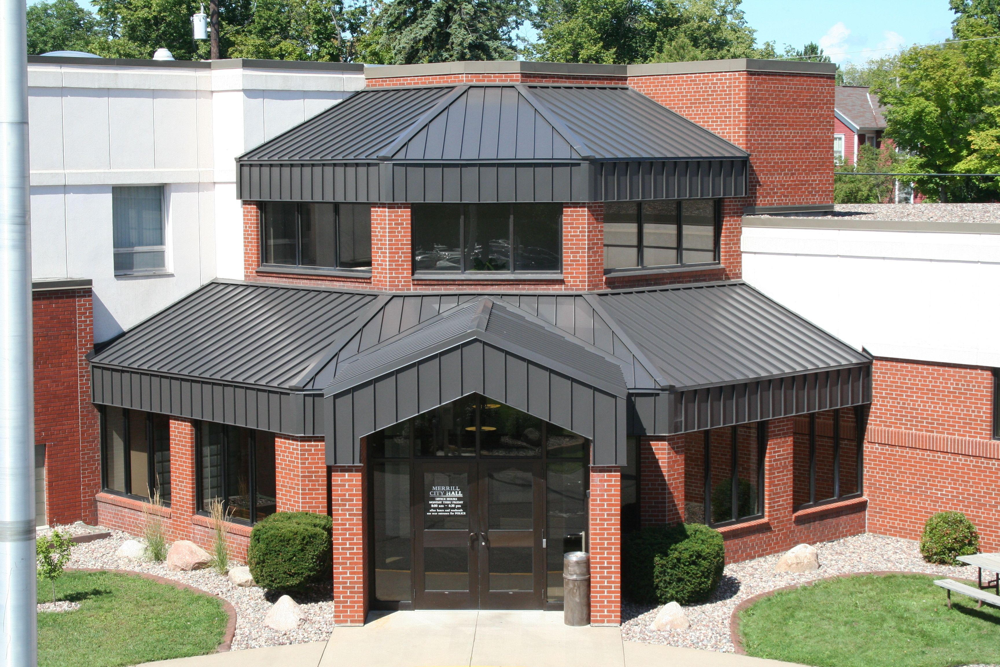 Standing Seam Metal Roof In Musket Gray Metal Provided By Coated Metals Group Www Cmgmetals Com Projec House Exterior Standing Seam Metal Roof Standing Seam