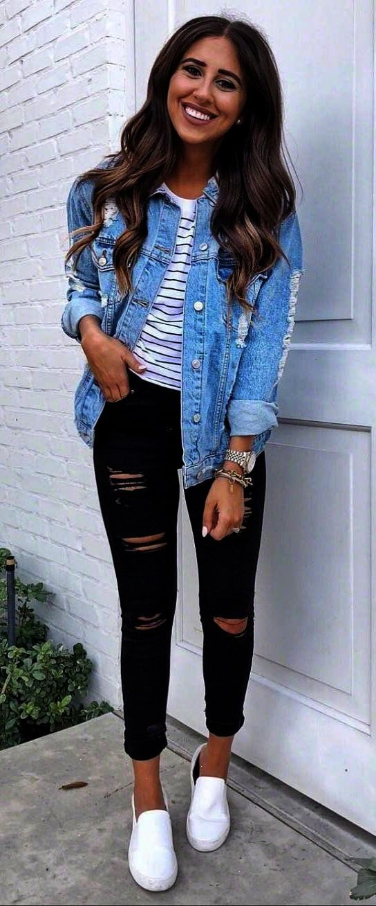 How To Wear A Denim Jacket Top Black Rips Sneakers Spring Outfits Casual Fashion Casual Outfits
