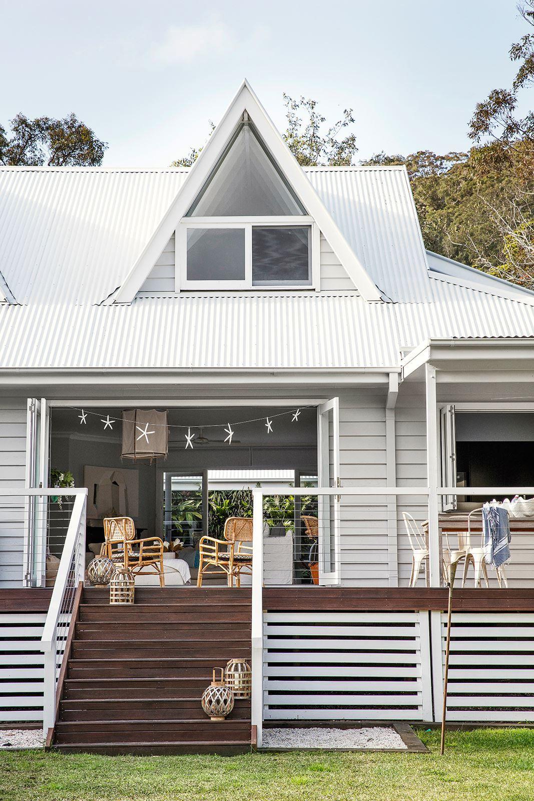 Serene Interiors Create Beach House Bliss Facade House Weatherboard House House Colors