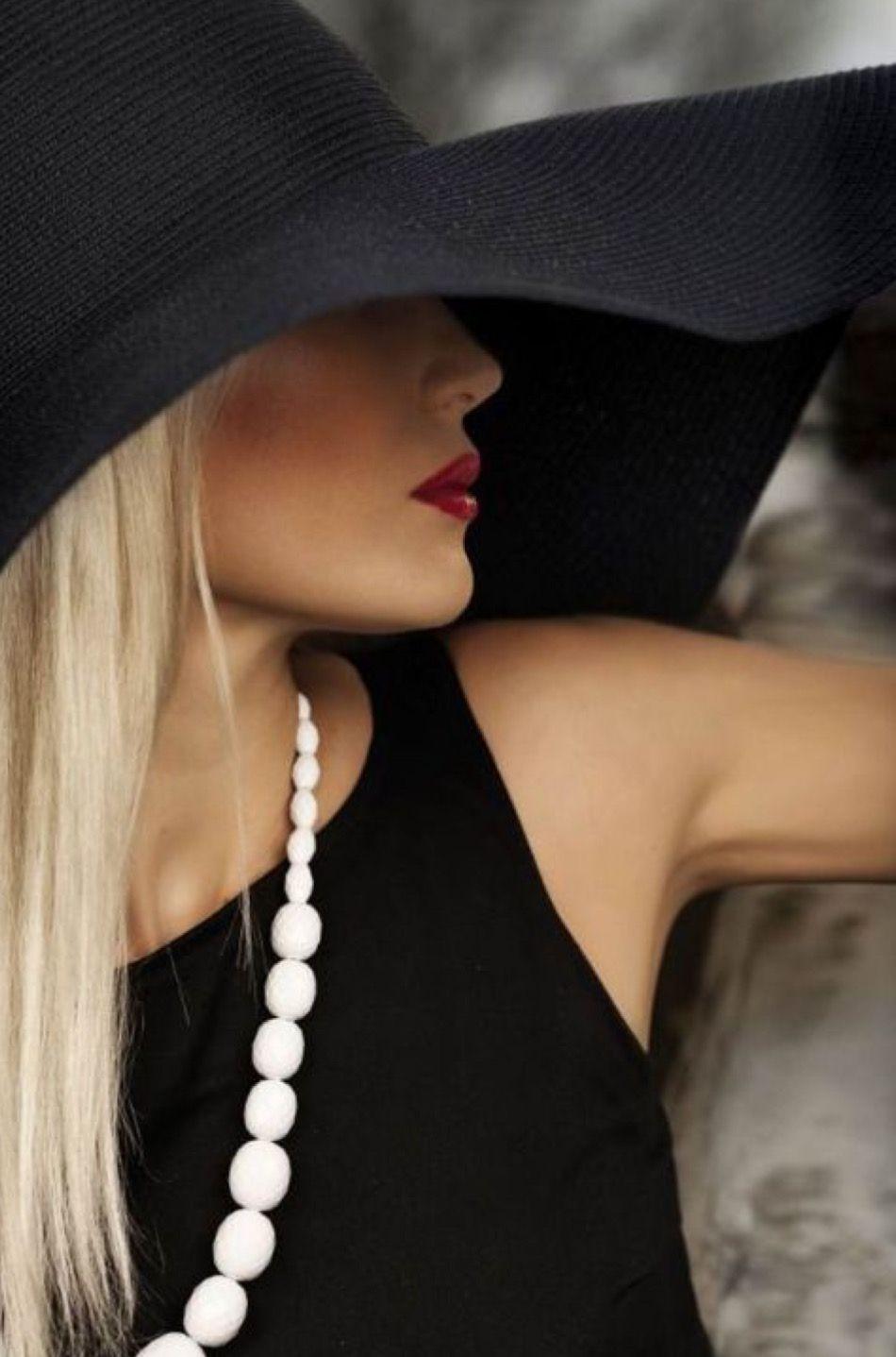50a38ce21c1 GlamBarbie  Classic black hat