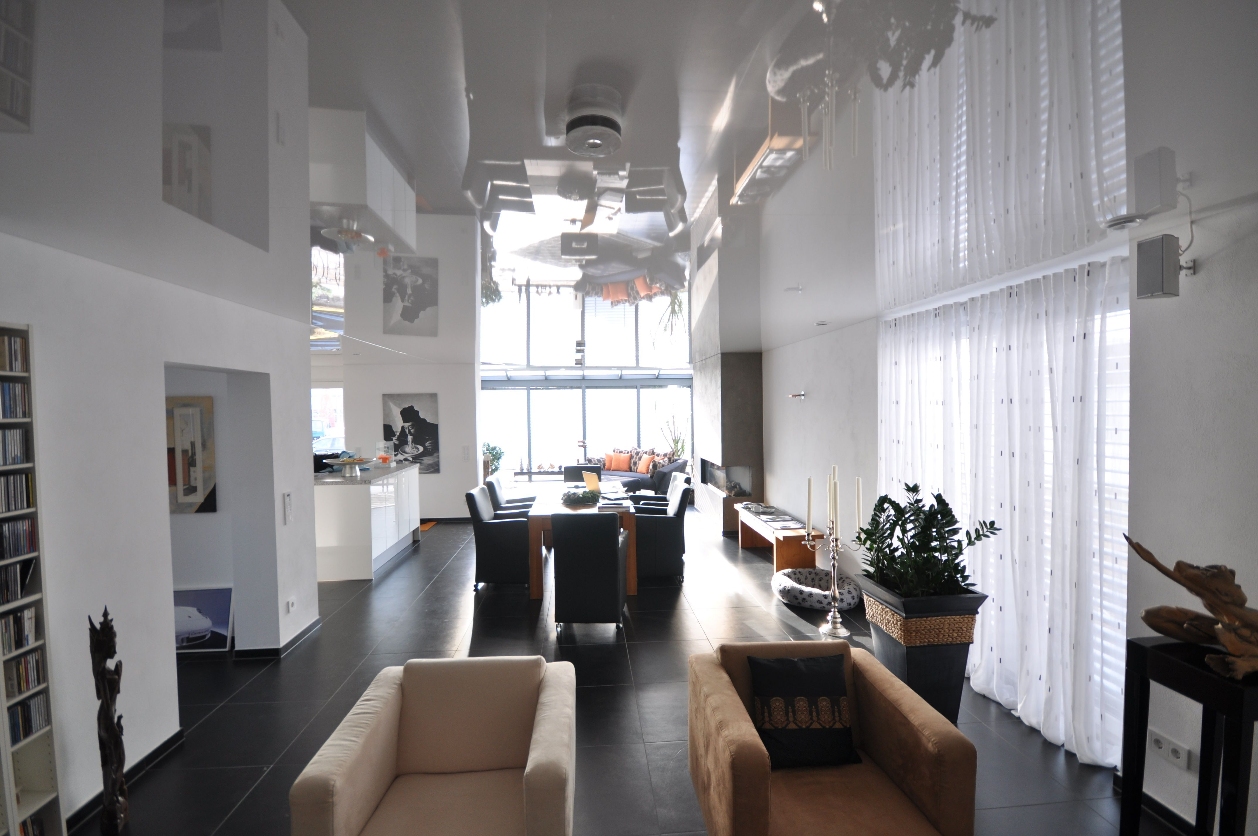 Spanndecke Weiß Hochglanz #spanndecke#design#renovieren#decke#modern#weiß#