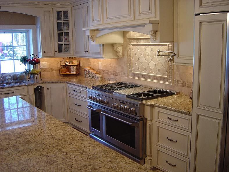 New Venetian Gold Granite Backsplash Ideas Part - 19: Granite New Venetian Gold Kitchen Countertop - LOVE The Backsplash And Hood
