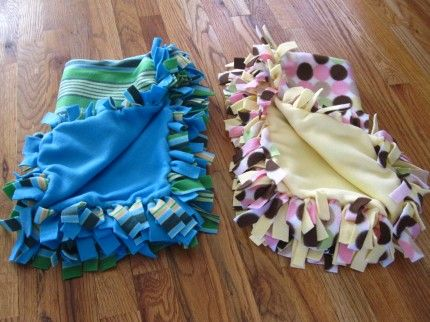 DIY Fleece Blankets - No Sew -- Should do one for Lyric and one for baby. a44eaed8b