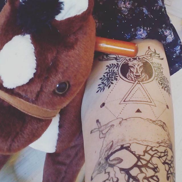 #blackink #tattoo #freehandsketch #semipermanenttattoo #deaddeer #deer #inkorgy #girl #tattoosforwomen #lineartattoo #everythingwithlove #blacktattooart