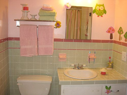 Amanda\'s delightful mint and pink bathroom design - using new ...