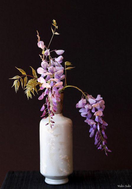 Wisteria Sinensis Ikebana Flower Arrangement Flower Arrangements Simple Flower Arrangements