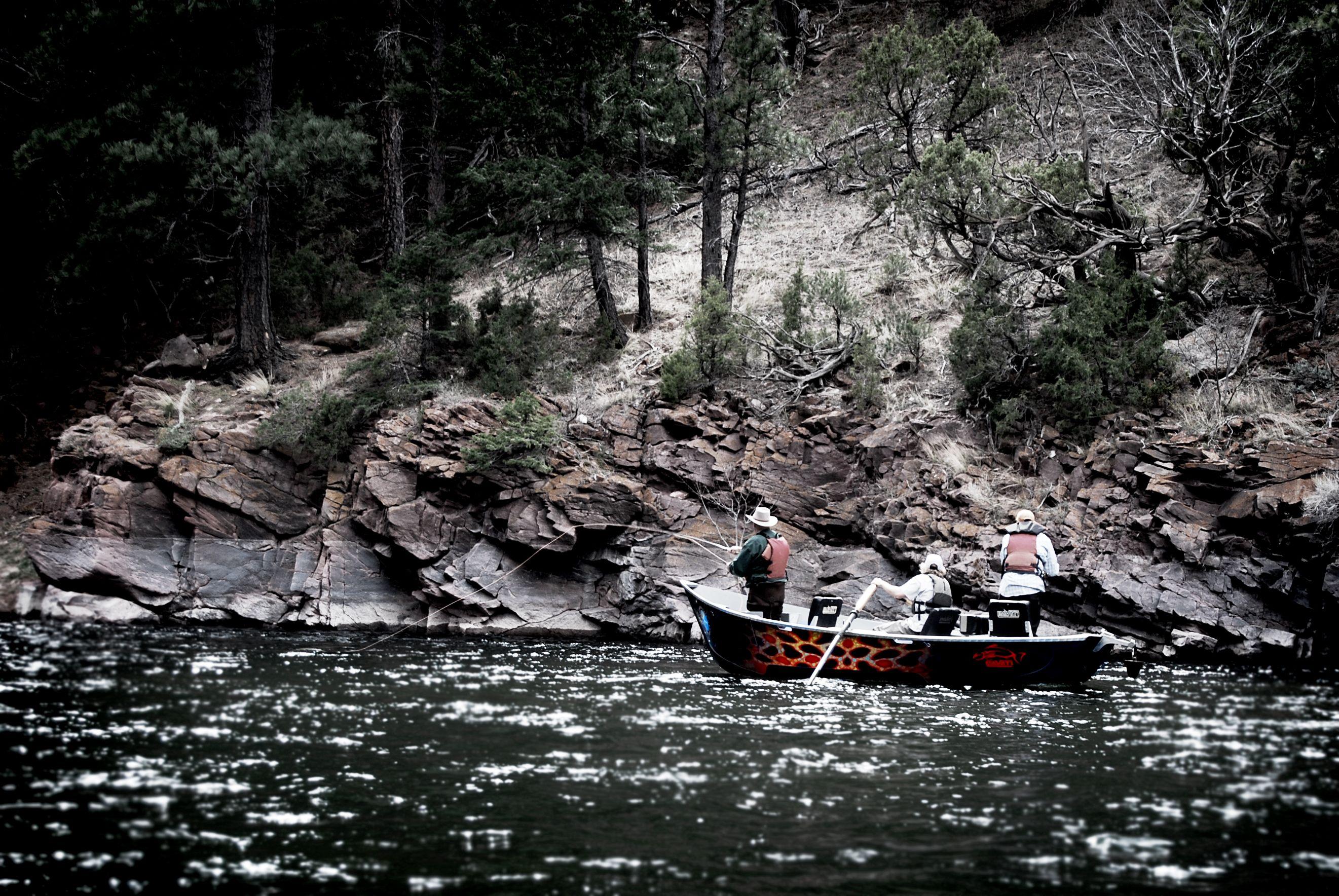 Derek DeYoung Pavati drift boat down on the lower Green River.