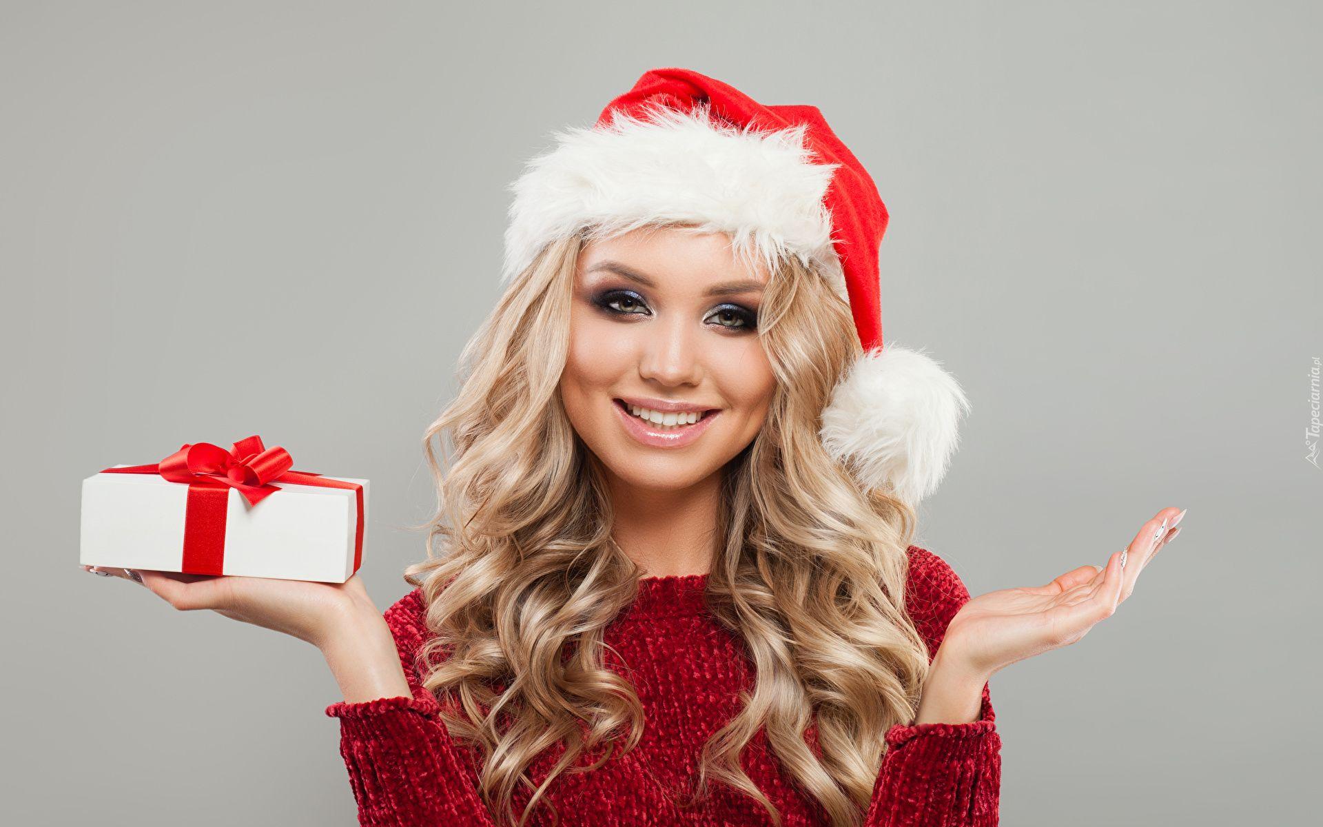 Kobieta Twarz Usmiech Blondynka Czapka Mikolaja Prezent