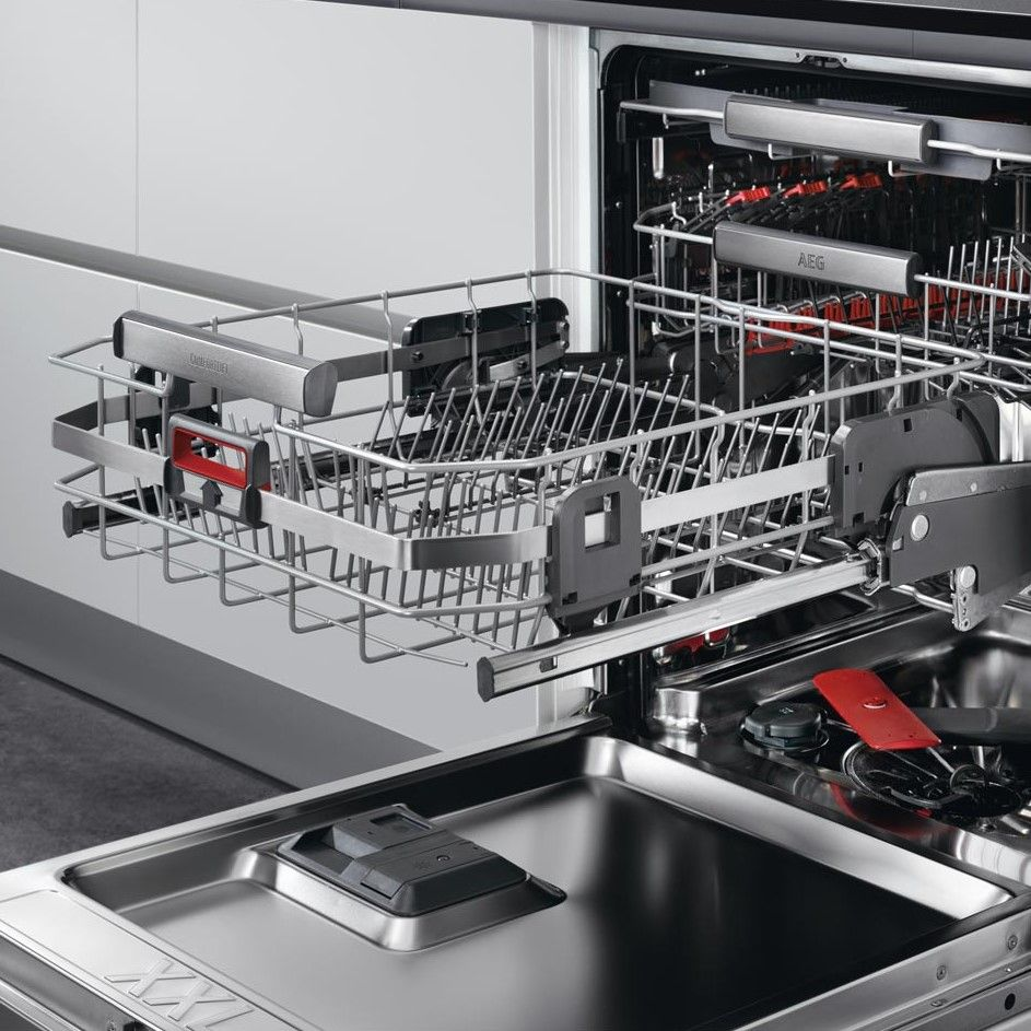 The new unique AEG Comfort Lift dishwasher is the first