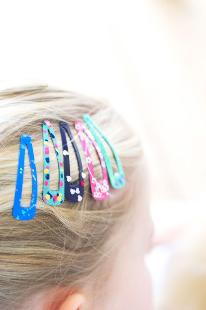 Nail polish hair clips by Wimke Tolsma Time for a new colorful DIY especially for the girls. This is an easy peasy diy for my girls. What do you do with a thousand different hair clips and a hundred different...
