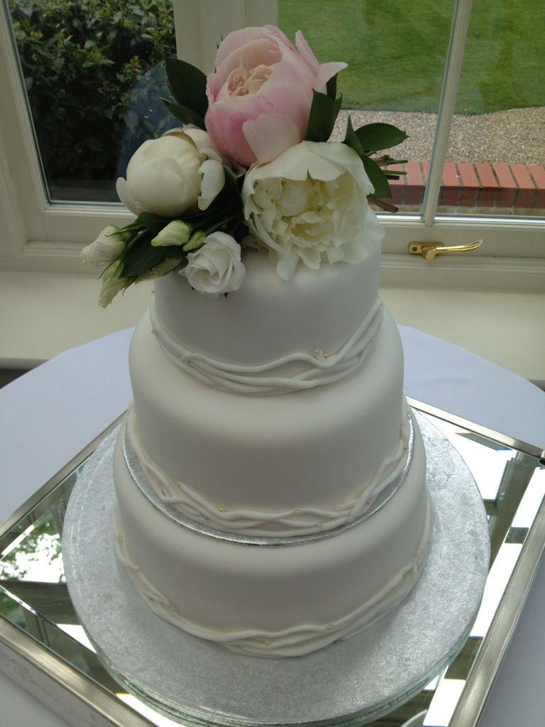 Simple white wedding cake Cake, Wedding cakes, Amazing cakes
