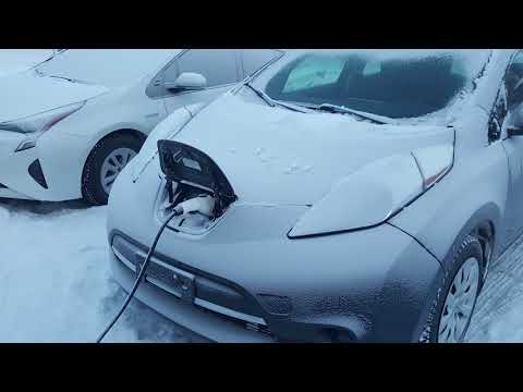 Starting An Electric Car In 40 Degrees C F Nissan Leaf In Canada Youtube In 2020 Nissan Leaf Electric Car Nissan