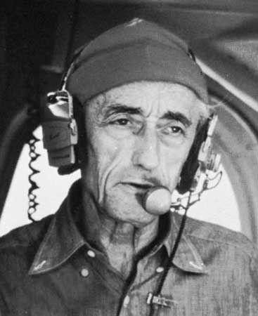 Art print POSTER CANVAS Portrait of Underwater Explorer Jacques Cousteau at