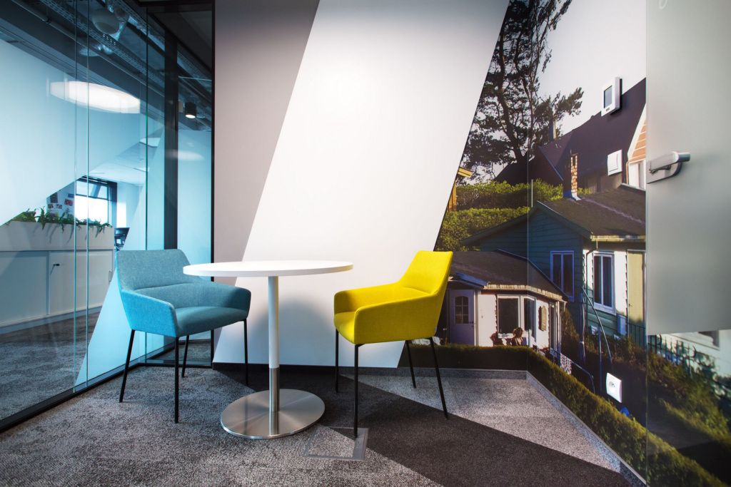 Circle K Warsaw Poland With Images Office Design Business